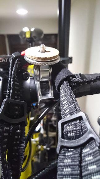 ロードバイクにカメラマウント