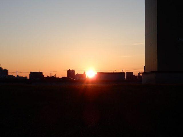 荒川から日の出