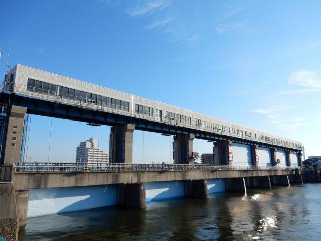 江戸川 水門