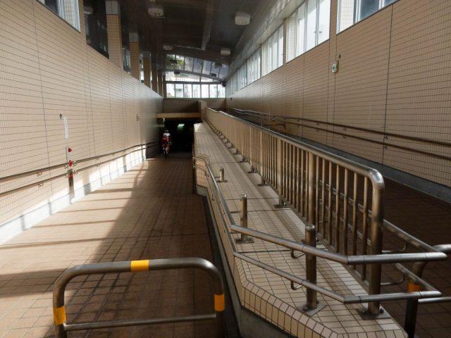 東京地下鉄綾瀬検車区の地下道
