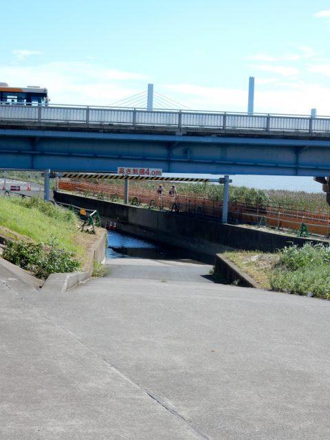 荒川サイクリングロード 葛西橋 浸水