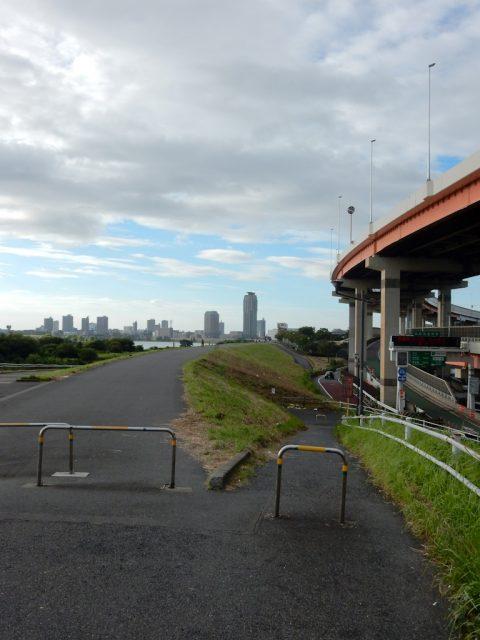 荒川サイクリングロード 右岸 鹿浜橋