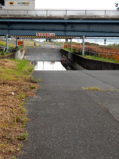 荒川サイクリングロード 葛西橋 水没