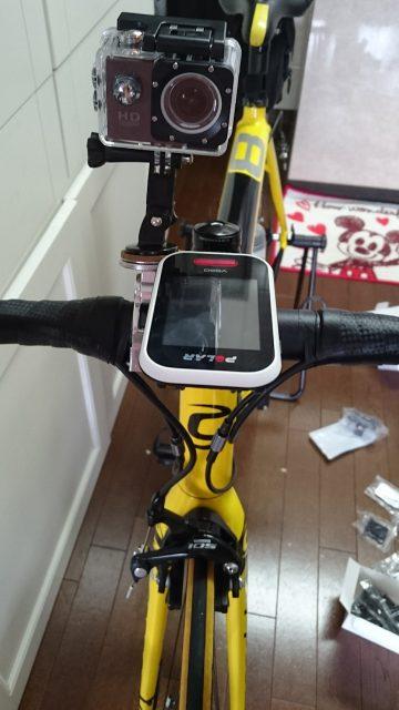 ウェアラブルカメラをロードバイクのハンドルにマウント