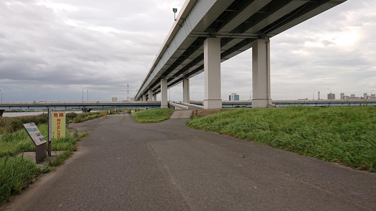 荒川サイクリングロード 葛西橋