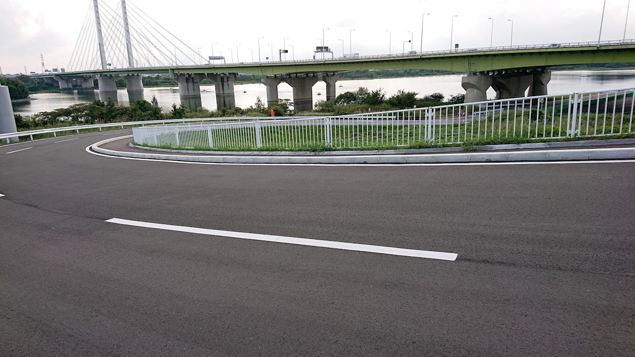 荒川サイクリングロード 左岸 戸田橋