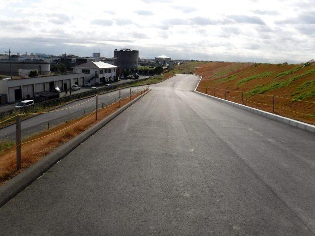 荒川サイクリングロード 左岸 文明堂 浦和工場