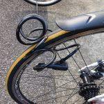 自転車に乗ろうと思ったら見知らぬワイヤーロックがついてました(TOT)