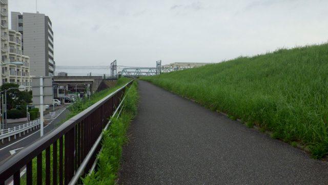 足立区 デザインマンホール サイクリング
