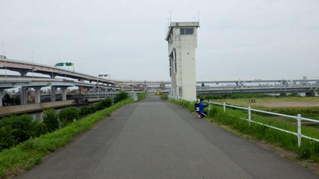 サイクリング解禁+久しぶりの外ライド 荒川サイクリングロード 左岸 綾瀬水門